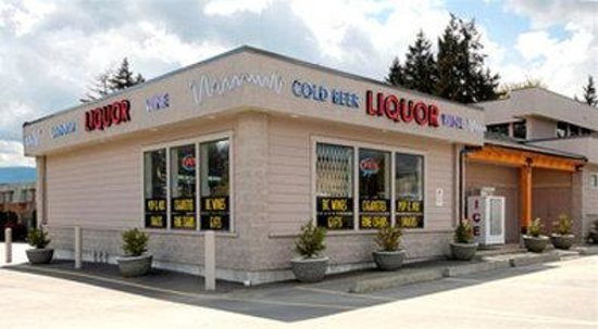 Duncan, Canada: Liquor Store - Onsite