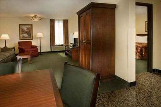 Drury Inn &amp; Suites Springfield
