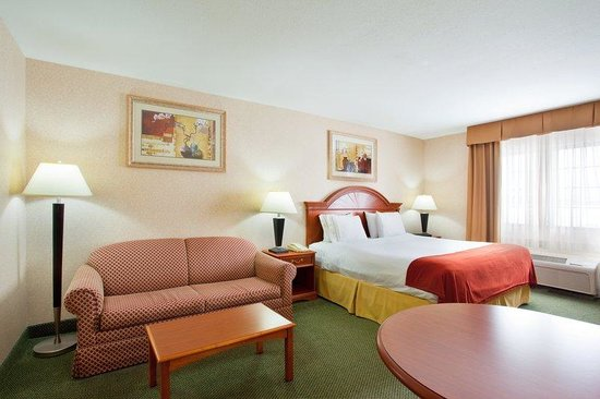 Holiday Inn Express Ludington: Executive King Room