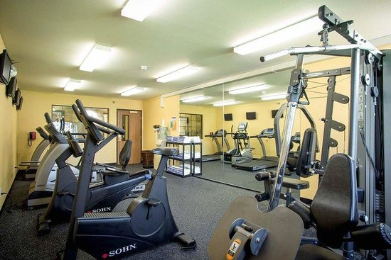 Holiday Inn Express Ludington: Fitness Room