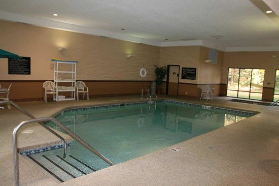 Hampton Inn Cedar Rapids: Pool