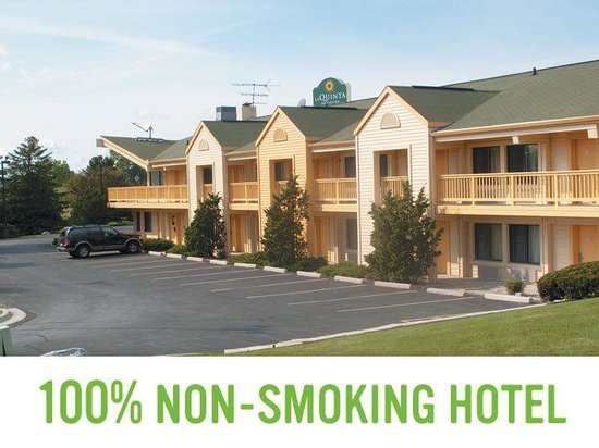 La Quinta Inn Appleton Fox River Mall Area: 100 Percent Non Smoking Hotel