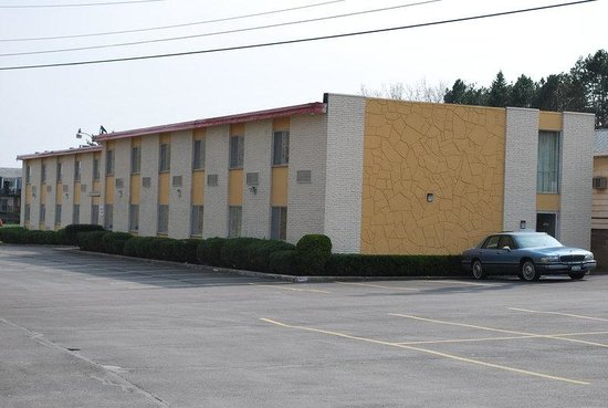 Americas Best Value Inn: Interior Building