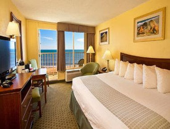Ramada Plaza Nags Head Beach: Ocean View with 1 King Bed