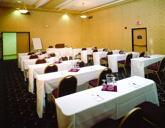 Elk Grove CA Hotel Meeting Room