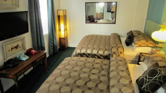 The Motor Lodge: Bedroom