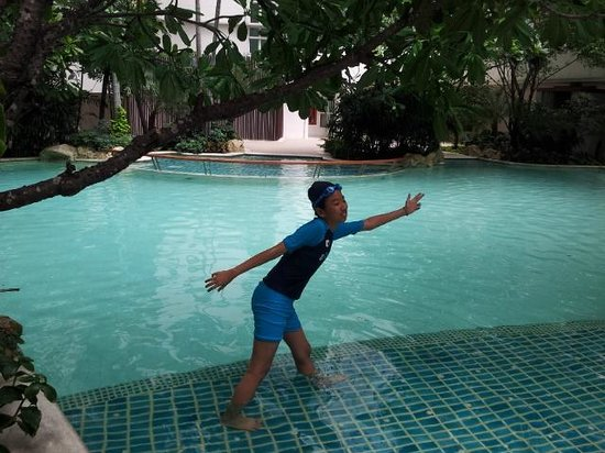 Anantara Baan Rajprasong Serviced Suites: Let's play