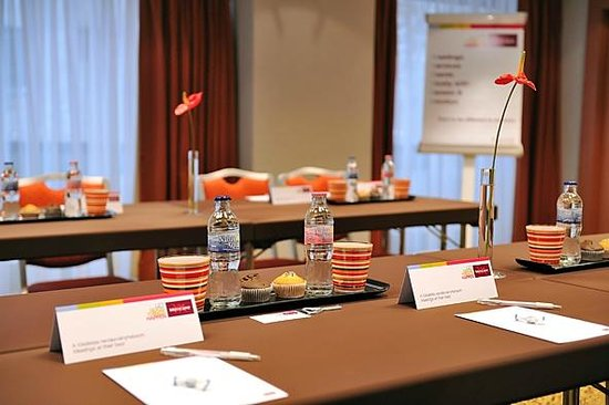 Mercure Budapest Korona: New meeting set up