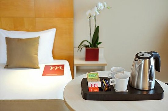 Mercure Budapest Korona: Tea&coffee making facility in all rooms