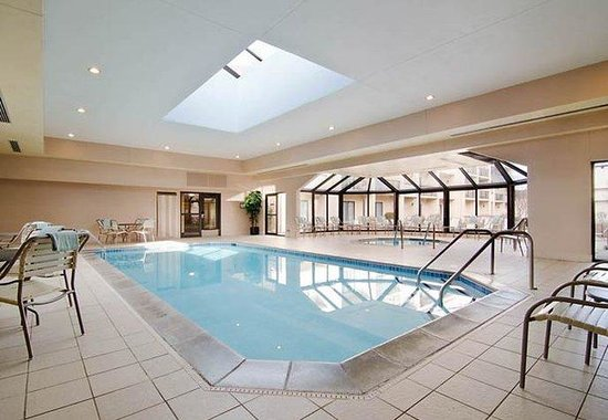 Eden Prairie, Миннесота: Indoor Pool & Hot Tub