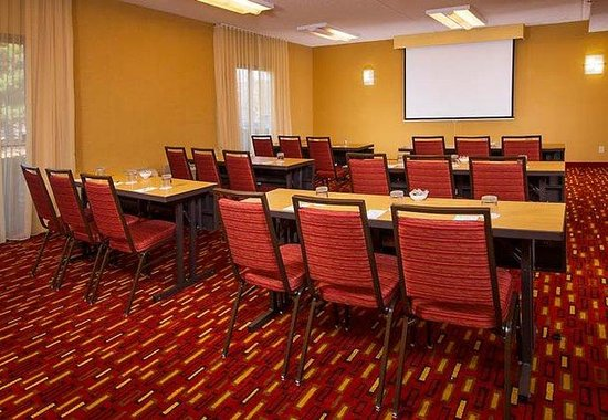Courtyard by Marriott Manassas Battlefield Park: Meeting Room