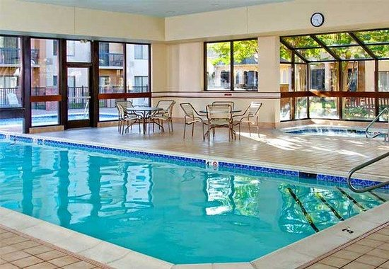 Courtyard by Marriott Williamsburg Busch Gardens Area: Indoor Pool