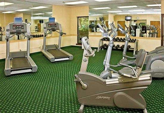 Courtyard by Marriott Williamsburg Busch Gardens Area: Fitness Room
