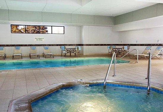 Courtyard Kansas City South: Indoor Pool & Whirlpool