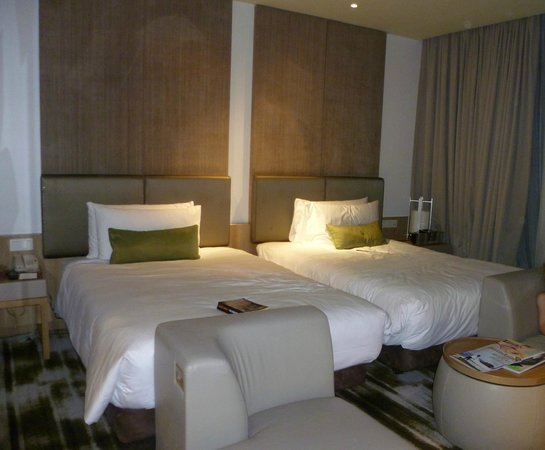 Crowne Plaza Changi Airport Hotel: Deluxe double bed room