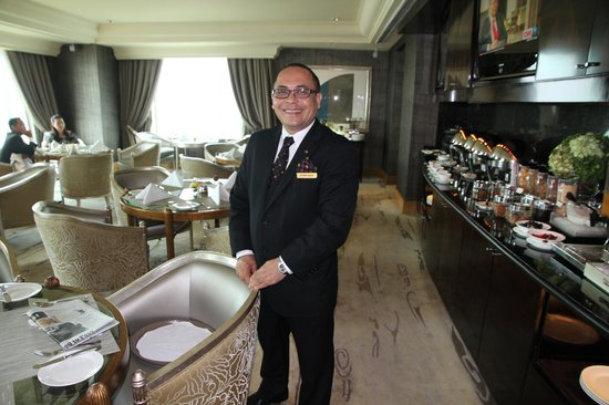 Hotel Mulia Senayan: The face of the Executive Lounge on the 38th floor
