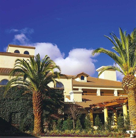Rohnert Park, Californien: Welcome to Doubletree Hotel Sonoma Wine Country