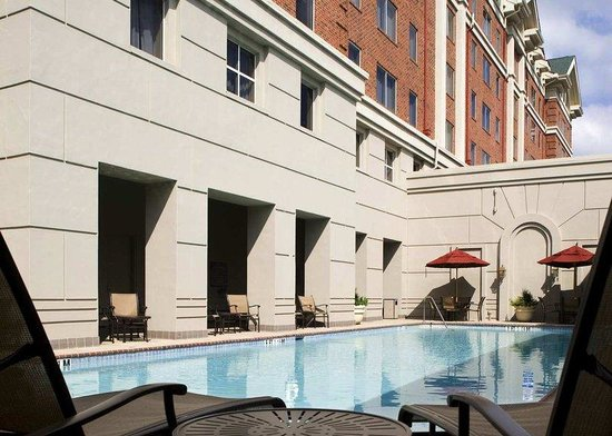 Doubletree by Hilton Atlanta Roswell: Pool