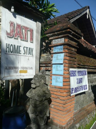 Jati Home Stay: Entrance to Jati Homestay.