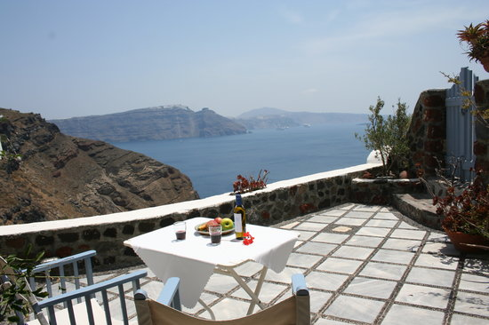 Lava Oia's: honeymoon house A