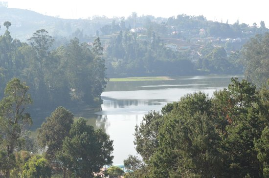 Hotel Darshan: view of ooty lake from darshan hotel ooty