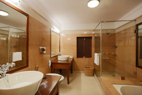 Ajit Bhawan : Bathroom