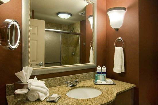 Hilton Columbia Center: Our Bathrooms