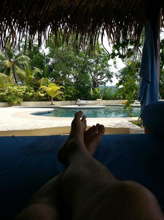 Carate, Costa Rica: Relaxing Poolside