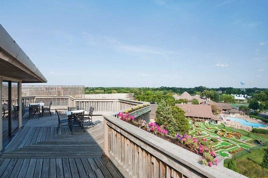 Hilton Chicago/Indian Lakes Resort: Penthouse Suite Deck