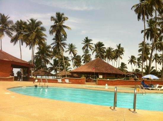 Elmina, Ghana: Pool, Bar and Restaurant