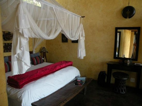 Balule Private Game Reserve,  : our comfortable and well appointed room - with outdoor tub!