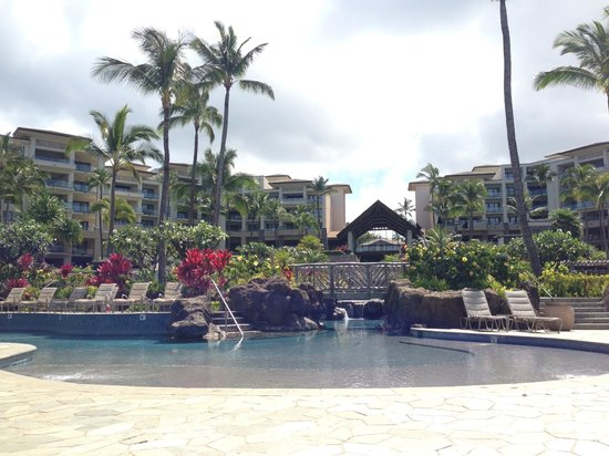 The Kapalua Villas: View from Pool