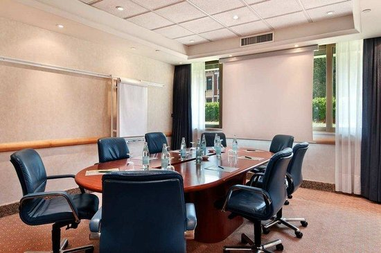 Hilton Milan: Rome Meeting Room