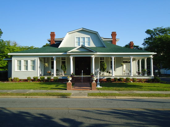 Swainsboro, GA: Street view of the Edenfield House