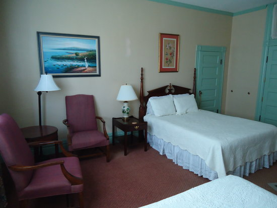 Swainsboro, GA: Blue Girl - two queen beds on the 2nd floor
