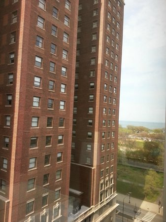 Chicago's Essex Inn : Side View of Lake Michigan from hotel
