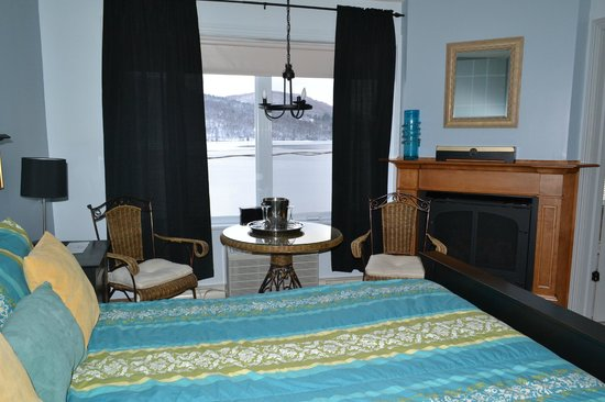 Sainte Agathe des Monts, Canada: Chambre Superior/ Superior Room