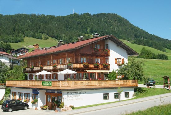 Photo of Gaestehaus Bergstueberl Reit im Winkl