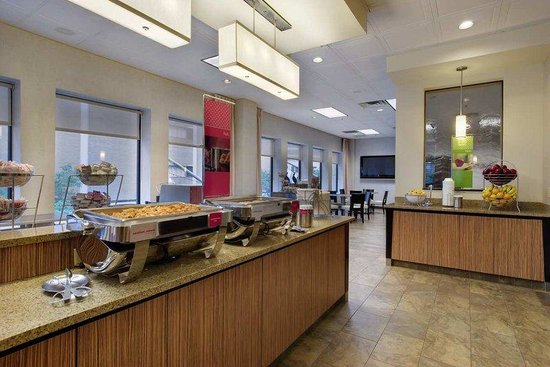 Hampton Inn & Suites Chicago - Downtown : Breakfast Area