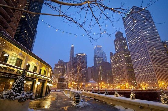 Hampton Inn &amp; Suites Chicago - Downtown: Chicago in the Winter