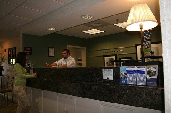 Danville, PA: Front Desk with Guest