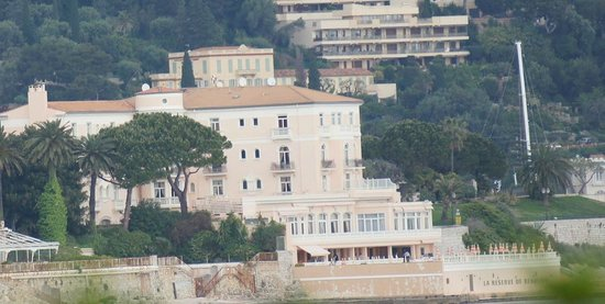 Beaulieu, Francia: the view of the hotel from Saint-Jean-Cap-Ferrat