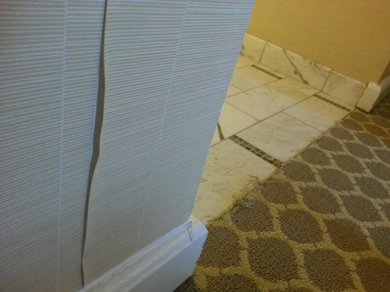 Hotel del Coronado: Room damage everywhere