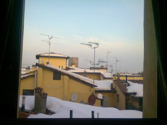 BEST WESTERN Hotel San Donato: dalla sala colazione con neve al seguito