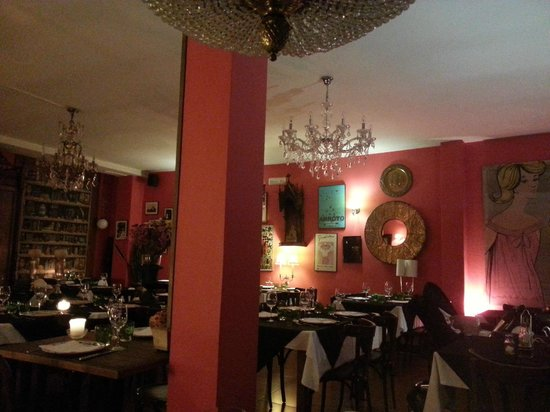 Alarcon, Espagne : The design in the restaurant