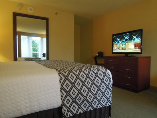 Crowne Plaza Atlanta Perimeter At Ravinia: Room