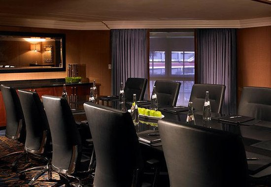 Laguna Cliffs Marriott Resort and Spa: Doheny Boardroom