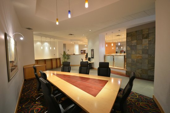 iHotel 67 Street Red Deer: Business Center