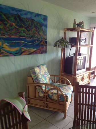Garden Island Inn: Living room