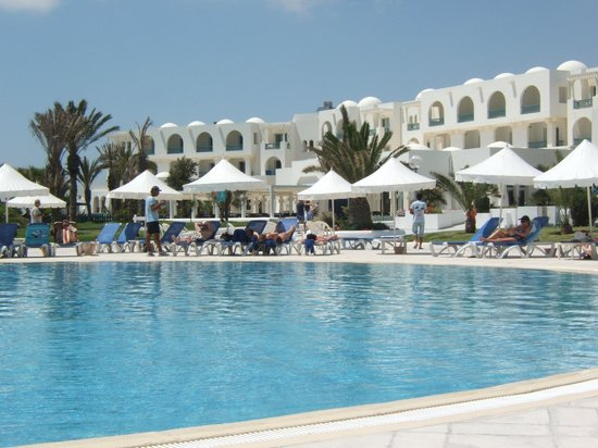 Vincci Helios Beach: Main Pool